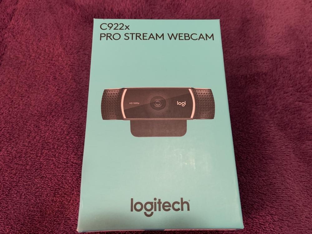 C922x Pro Stream Webcam box